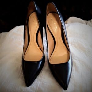 """GENTLY USED """"ZARA WOMAN"""" POINTY TOED PUMPS."""